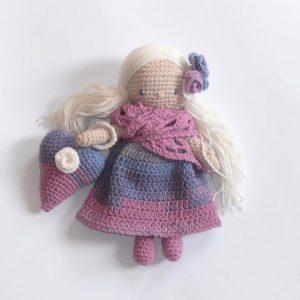 Viola horgolt öltöztethető baba
