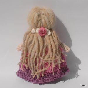 horgolt baba hosszú hajjal